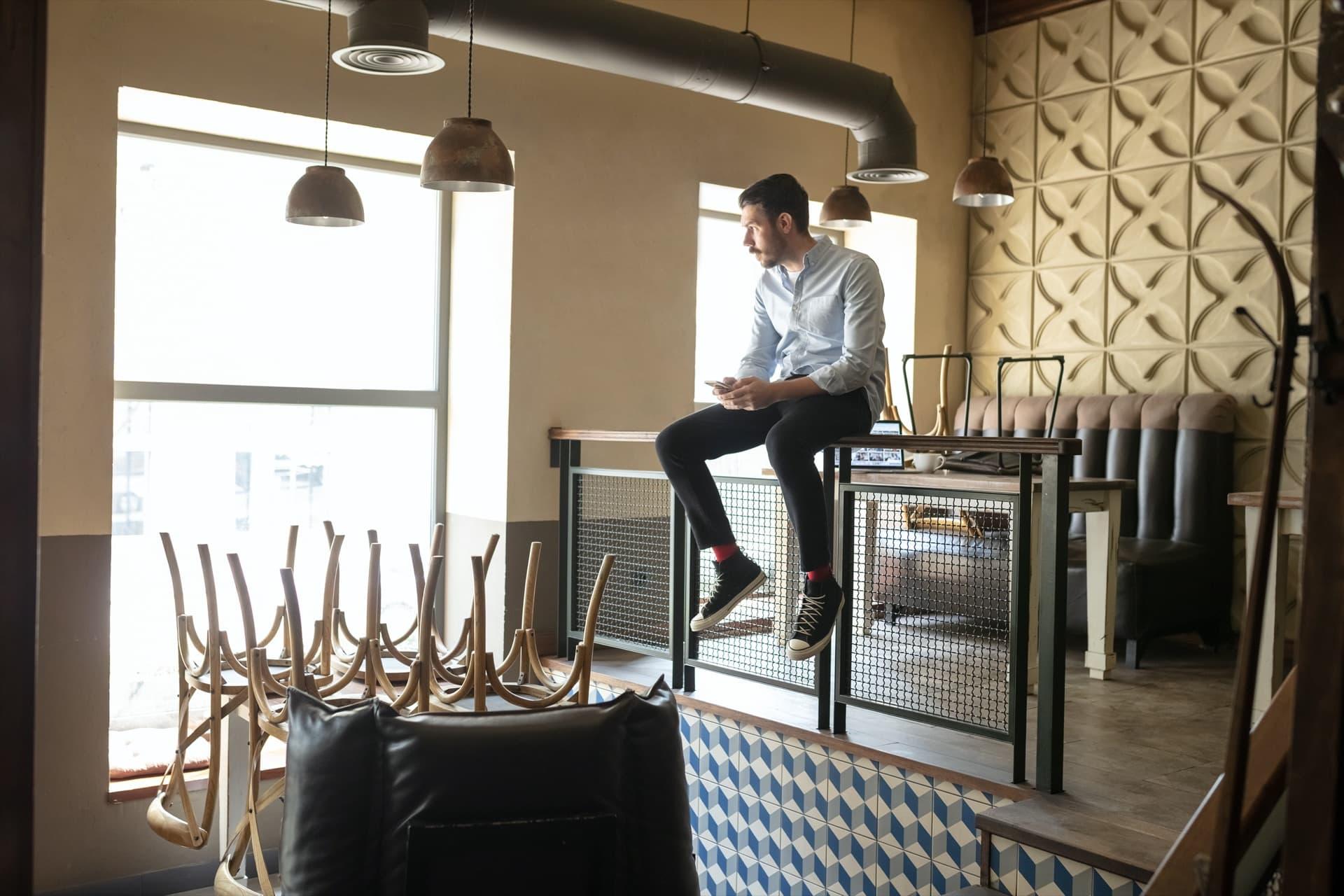 business-owner-closing-restaurant